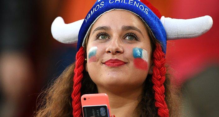 مشجعة للمنتخب التشيلي