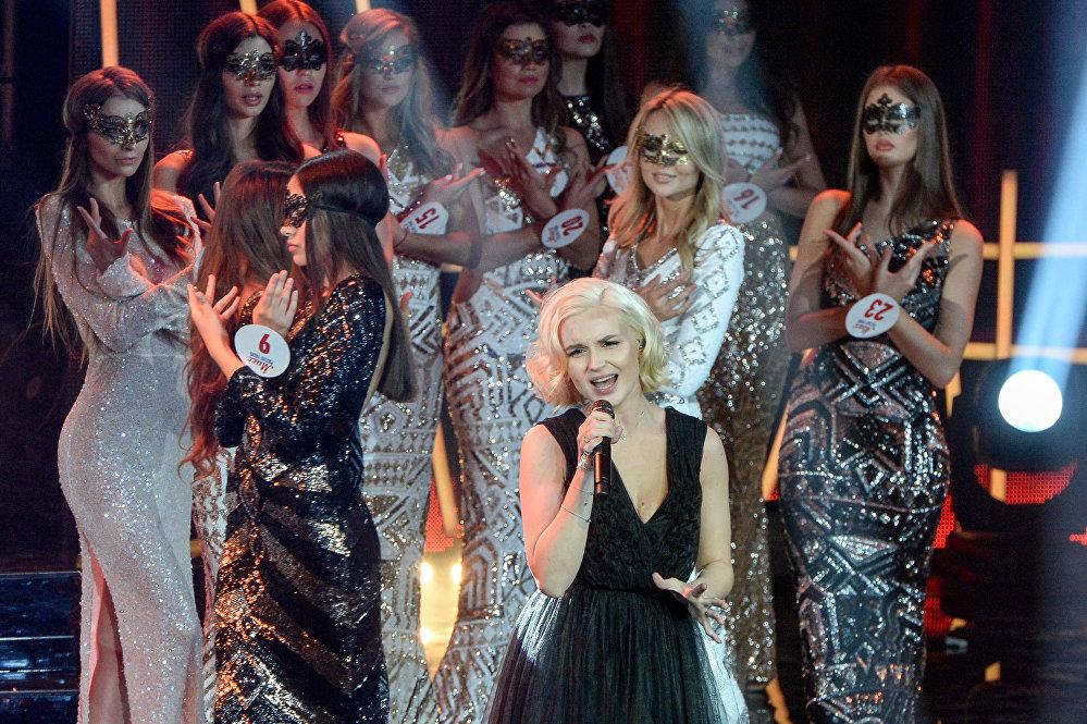 المغنية الروسية بالينا غاغارينا في مسابقة الجمال الوطني ملكة جمال الراديو الروسي