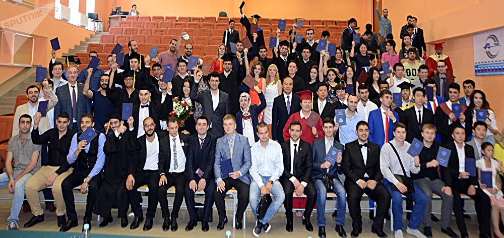 حفل تخرج الطلاب الأجانب من جامعة مادي