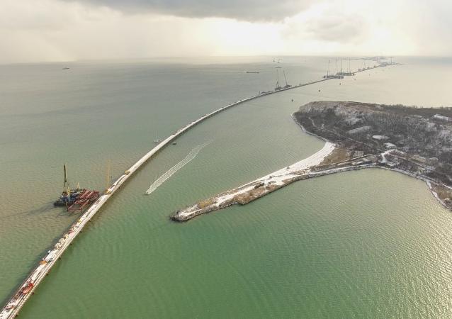 إنشاء جسر القرم