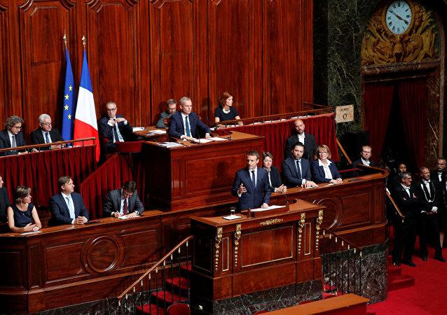 ماكرون في البرلمان الفرنسي