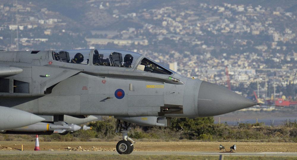 طائرة حربية بريطانيا في قبرص