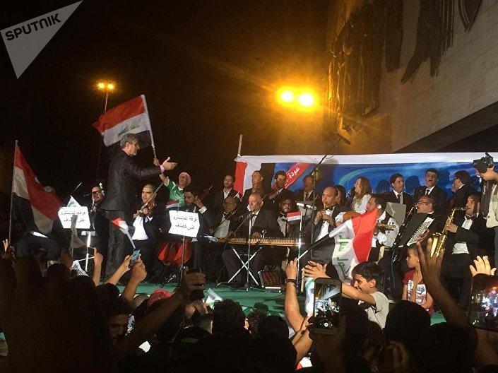 بغداد تغني وترقص احتفالا ً بالنصر على داعش