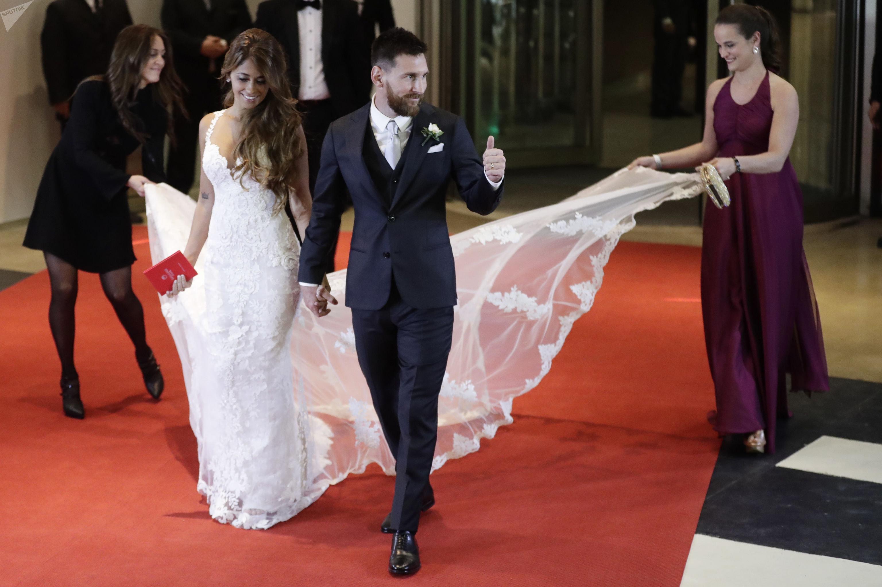 حفل زفاف لاعب كرة القدم لنادي برشلونة ليونيل ميسي ورفيقة دربه أنتونيللا روكوتسو في روساريو، الأرجنتين 30 يونيو/ حزيران 2017