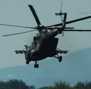 مروحيات مي-8 أ.ام.تي.ش. في المطار العسكري تشيرنيغوفكا في بريمورسكي كراي، روسيا