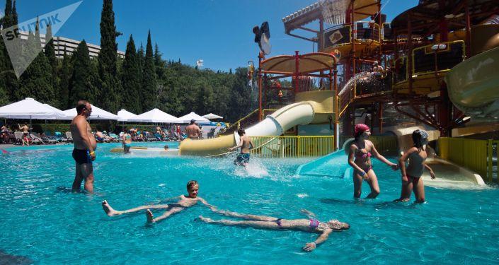السياحة في القرم - منتجع يالطا-إنتوريست في يالطا