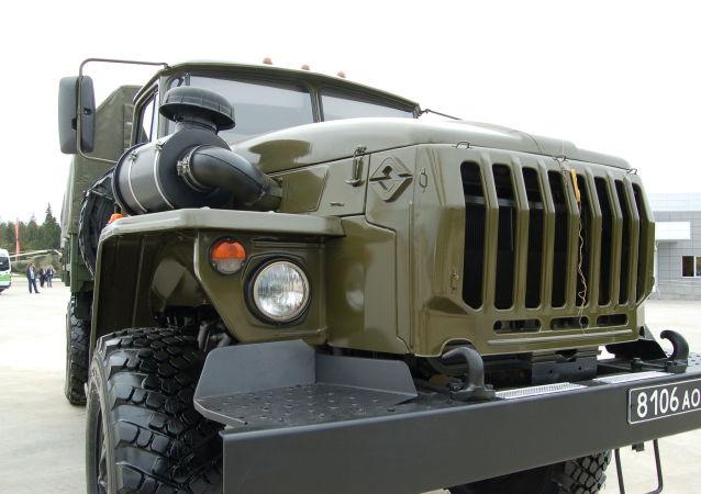 سيارةِ أورال-43206