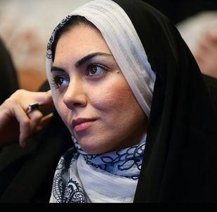 المقدمة الإيرانية أزادي نامداري