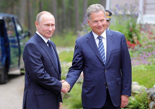 الرئيس فلاديمير بوتين خلال خلال لقائه مع الرئيس الفنلندي، ساولي نينيستو في فنلندا، 27 يوليو/ تموز 2017