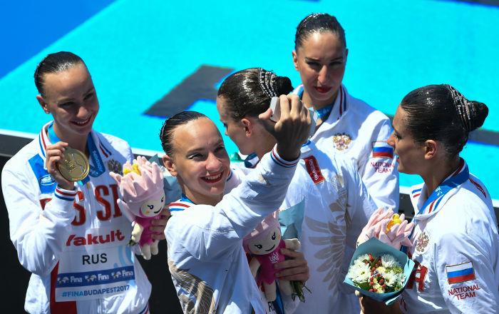 الروس-يحصدون-جميع-الميداليات-الذهبية-في-بطولة-العالم-للناشئين-للسباحة-المتزام