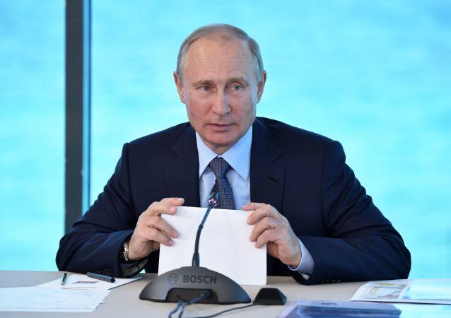 الرئيس الروسي فلاديمير بوتين في بورياتيا، بايكال، روسيا