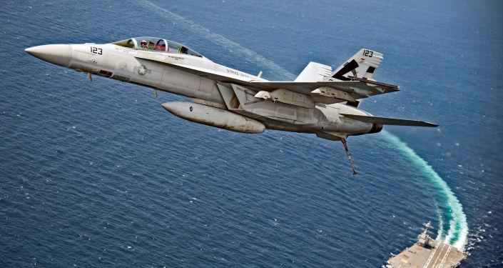المقاتلة الهجومية سوبر هورنيت (F/A-18F Super Hornet)