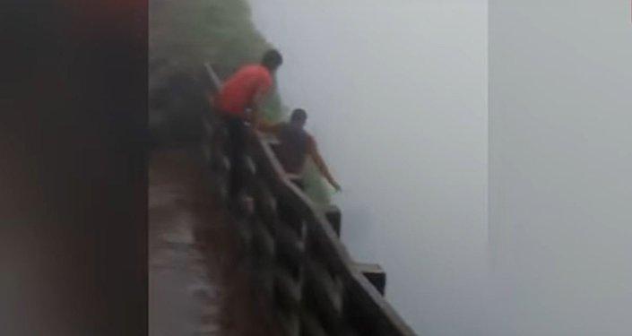 شلالات أمبولي في الهند
