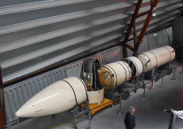 رأس نووي لصاروخ