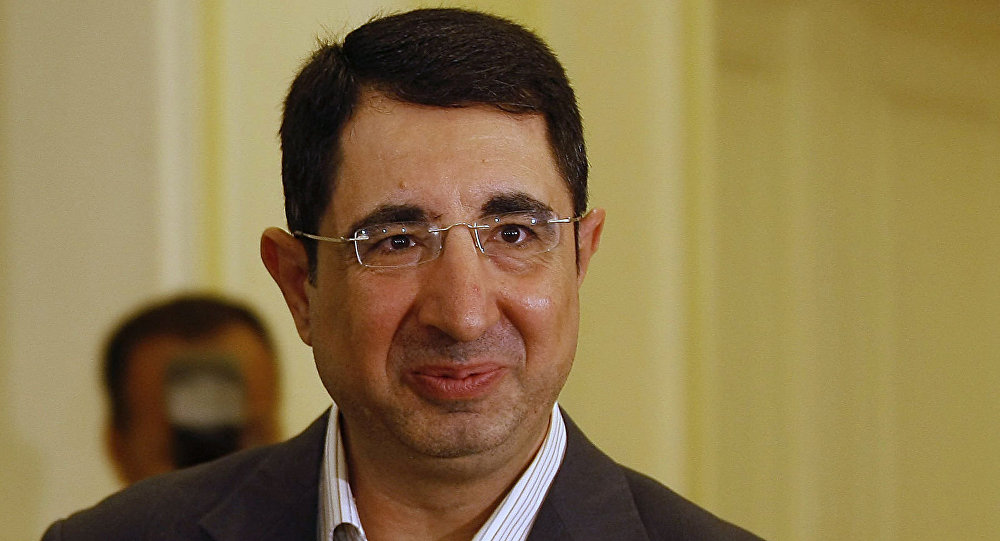 حسين الحاج حسن، وزير الصناعة اللبناني