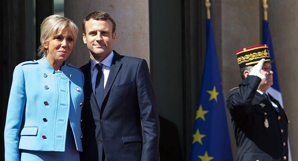 الرئيس الفرنسي ماكرون وزوجته بريدجيت