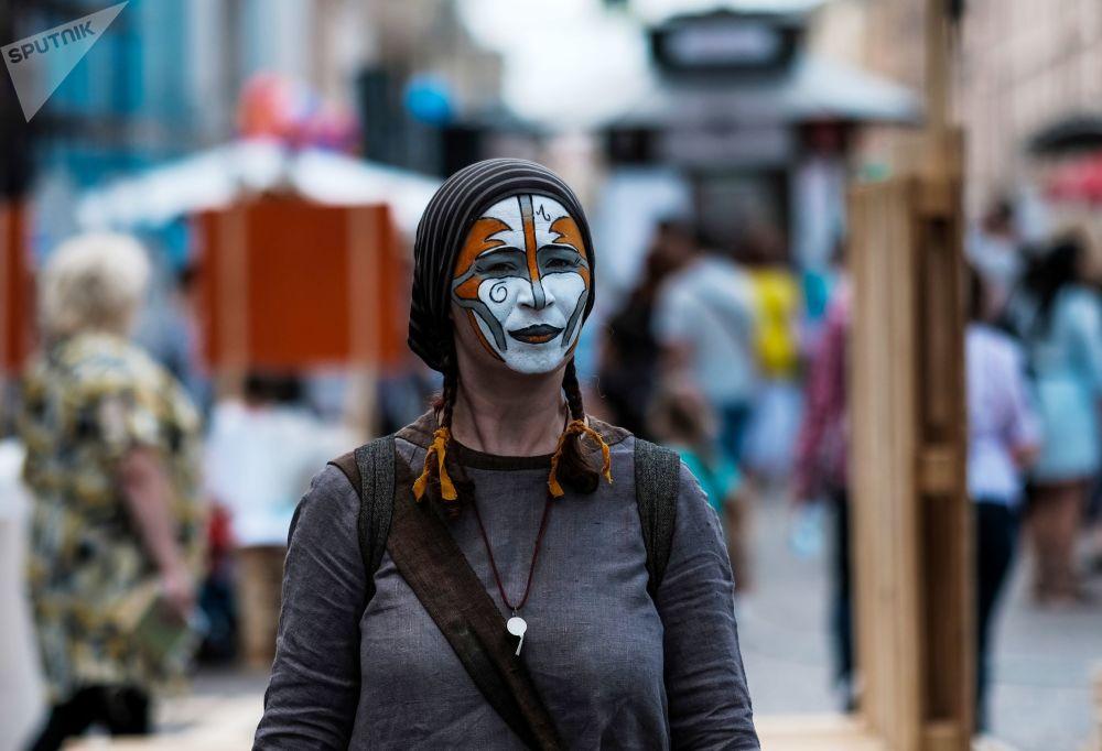 مشاركين في مهرجان الثقافة المدنية شوارع حية في سانت بطرسبرغ