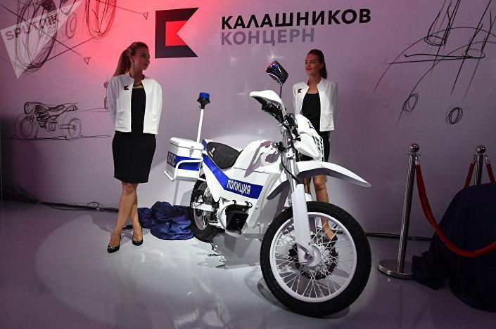 دراجة تعمل بالطاقة الكهربائية من إنتاج شركة كلاشنيكوف