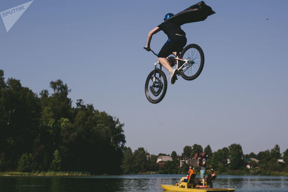 دوري Fun Jumping للقفز بالدراجات الهوائية في منطقة إفانوفو، روسيا