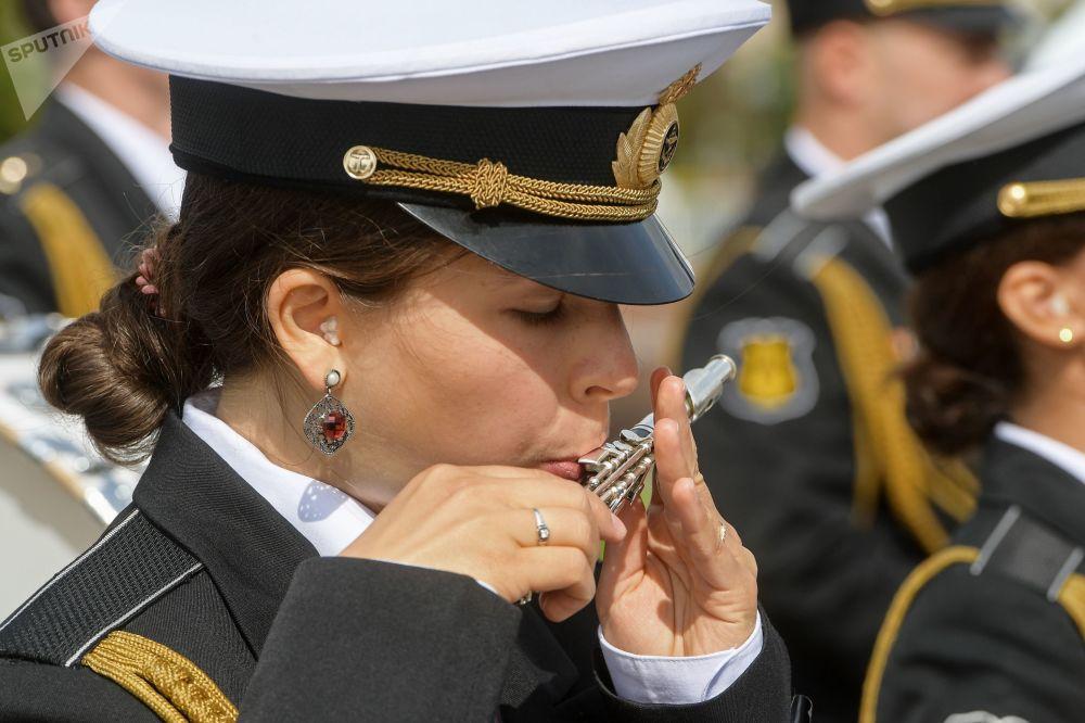 مهرجان سباسكايا باشنيا الدولي للموسيقى العسكرية على الساحة الحمراء في موسكو - فريق أوركيسترا من روسيا