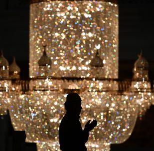 صلاة العيد في جامع موسكو الكبير في موسكو، روسيا