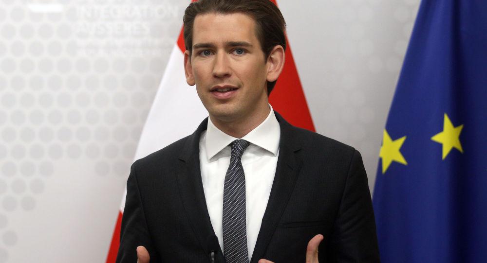 كيرتز :على النمسا أن تخفض المزايا المقدمة للمهاجرين