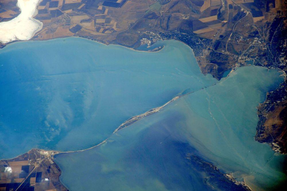 صور من الفضاء لبناء جسر القرم (كيرتشينسك)