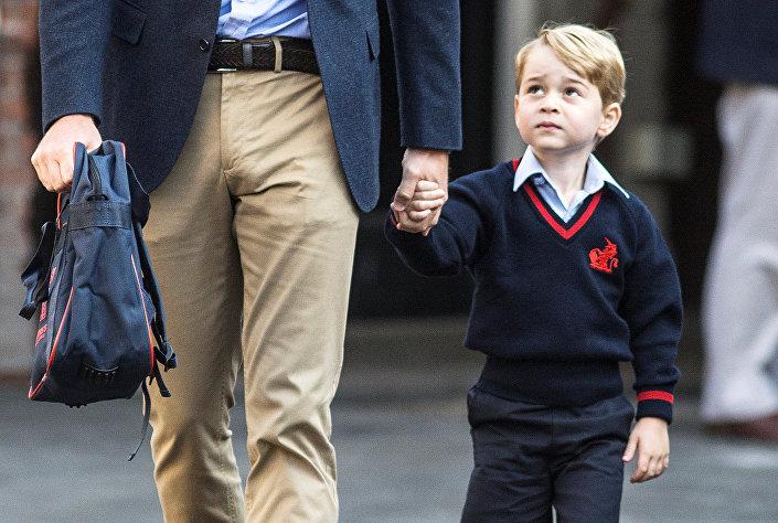 جورج في طريقه إلى المدرسة