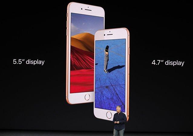 هاتف آيفون 8 الجديد