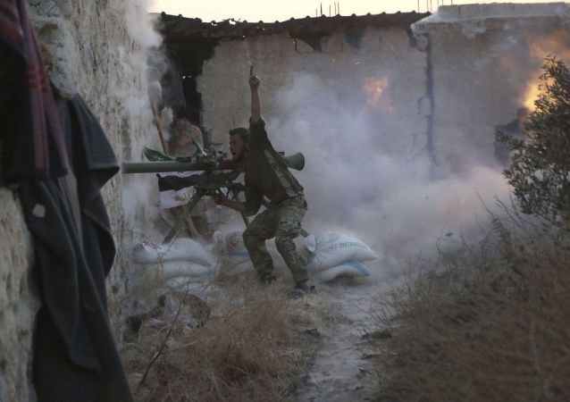 عنصر من إحدى المجموعات المسلحة السورية