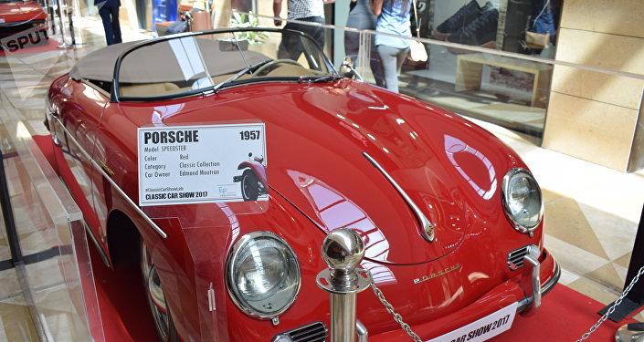 معرض السيارات الكلاسيكية في بيروت