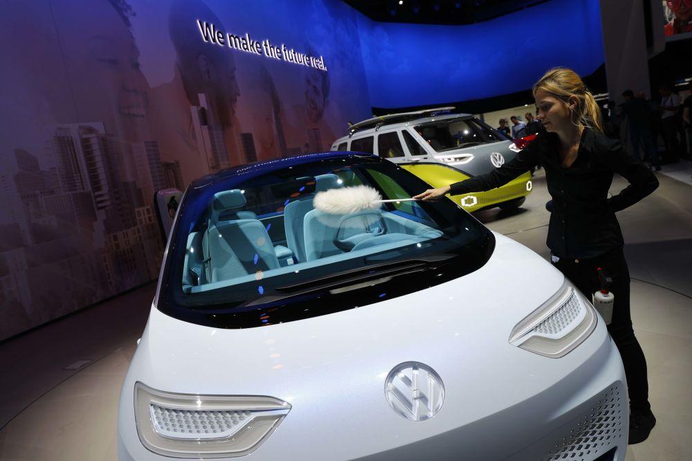 موديل سيارة فولكس واغن أي دي قدمت في معرض السيارات الدولي في فرانكفورت، ألمانيا
