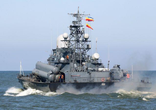 مناورات الغرب-2017 بين روسيا وبيلاروسيا - سفينة صغيرة غيزير حاملة الصواريخ