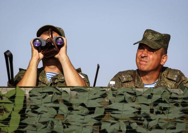 عناصر الجيش الروسي خلال مناوراتحماة الصداقة-2017 في كراسنودارسكي كراي