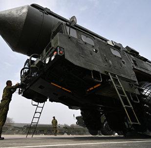 تجربة اطلاق صاروخ يارس المتحرك البالستي العابر للقارات من ميدان بليسيتسك