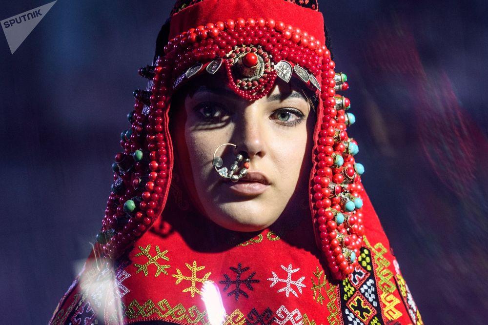 عرض أزياء في إطار مهرجان الإثنو-الثقافي - 2017 (إتنو آرت فيست - 2017) في موسكو