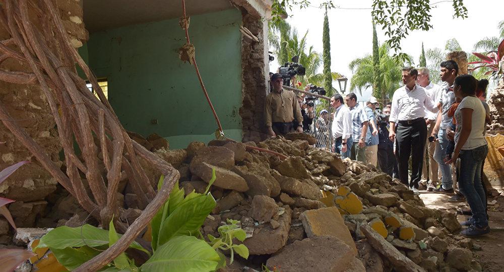 الرئيس المكسيكي يزور المناطق المتضررة من الزلزال المدمر