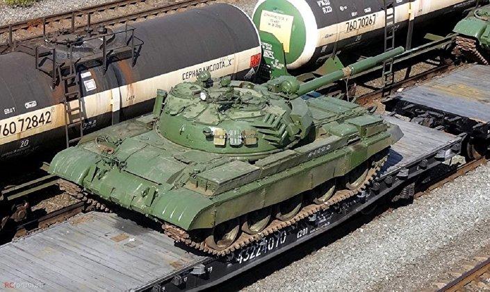 .تسليم دبابات روسية ومركبات قتالية إلى سوريا 1026342458
