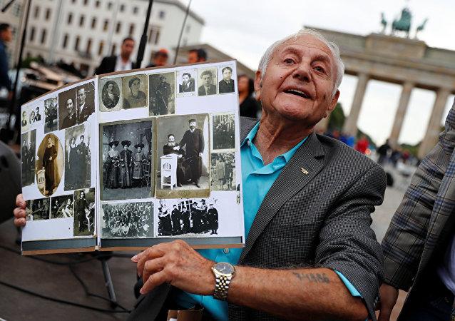أحد الناجين من الهولوكوست في ألمانيا