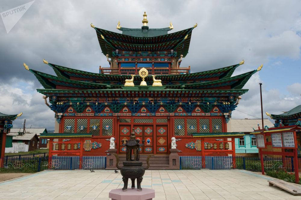 قصر إيفولجينسكي، لمعبد بوذي، في إقليم داتسان إفولجسينكي