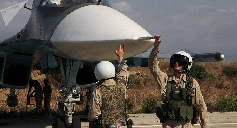 الطيار الروس في قاعدة حميميم الروسية في سوريا (File)