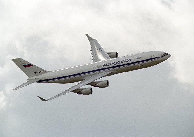 طائرة إيل-96