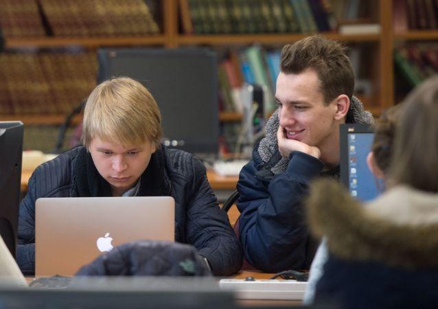 الحكومة الروسية تصرف نحو 47 مليون دولار لمراقبة صحة طلاب الدارس في البلاد