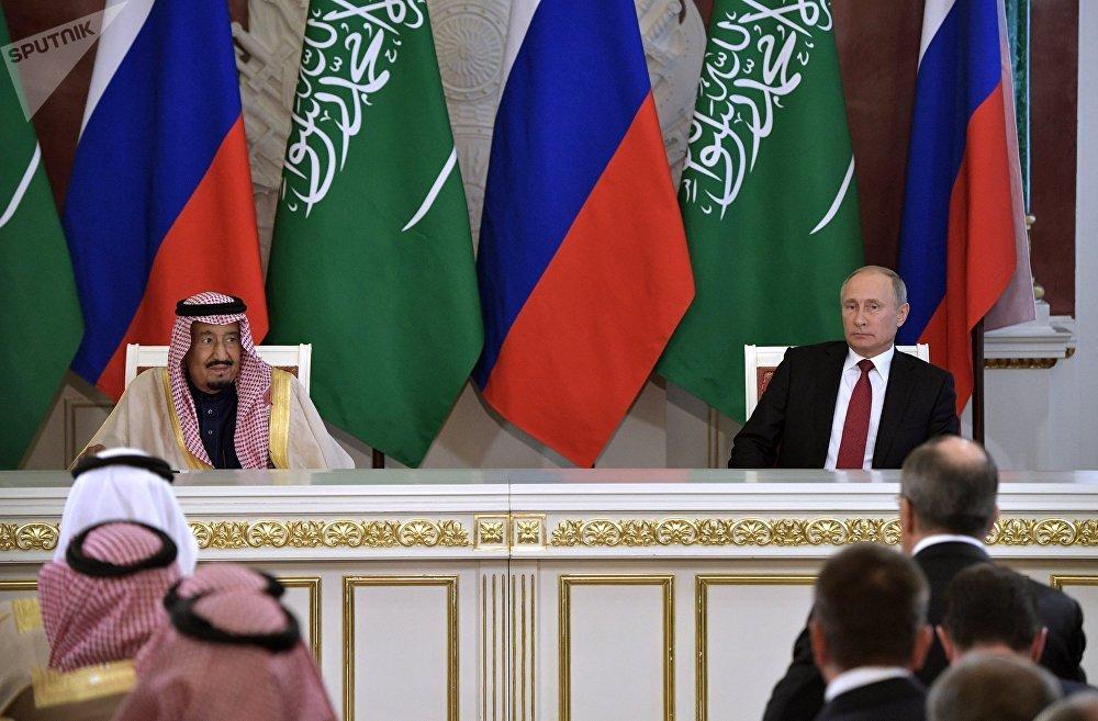محادثات الرئيس الروسي فلاديمير بوتين والعاهل السعودي الملك سلمان بن عبد العزيز آل سعود في موسكو، روسيا