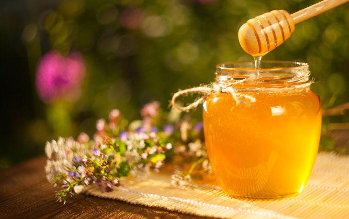 أشياء يجب معرفتها أثناء استخدام العسل لعلاج الحروق