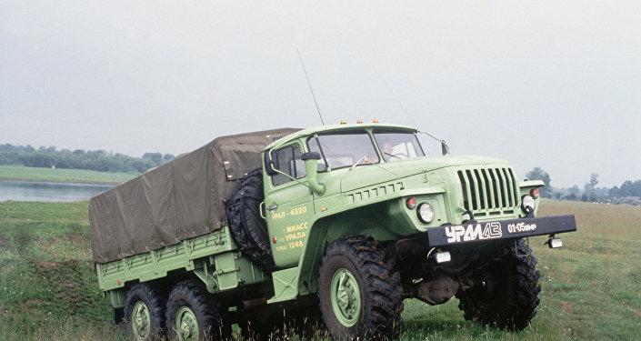 سيارة أورال-4320