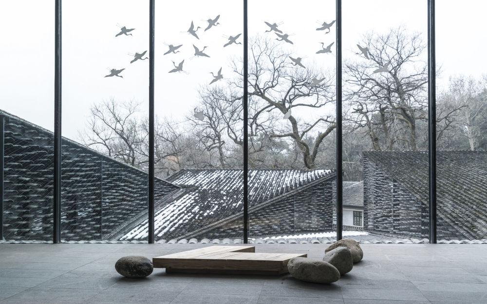 صورة متحف للفنون الشعبية، أكاديمية الصين للفنون في مدينة هانغتشو، للمصور تيرينس تشانغ، المتأهل للنهائي في فئة حس المكان سينس أوف بليس