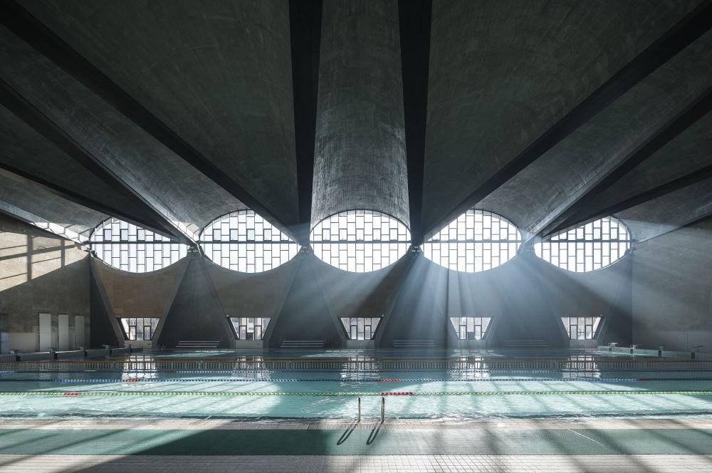 صورة حوض السباحة بجامعة تيانجين في الصين من قبل المصور، تيرنس تشانغ، المرشح للنهائي في فئة المباني قيد الاستخدام بيلدينغز إن يوز