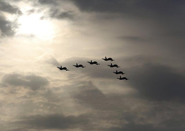 طائرات إماراتية