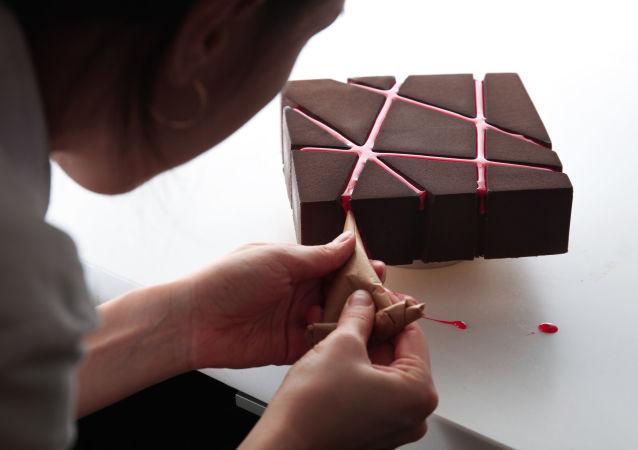 كعك من صنع المهندسة المعمارية الأوكرانية دينارا كاسكو